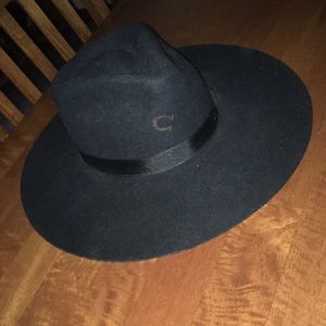 Accessories - Charlie 1 horse highway hat!